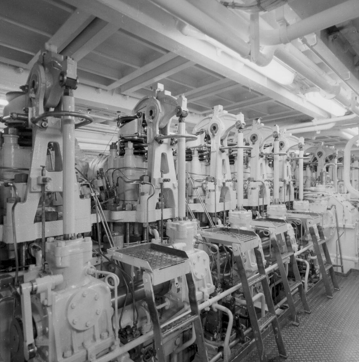 Maskinrummet om bord på M/S ARVEPRINS KNUD.