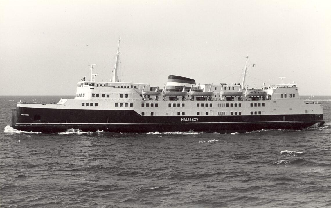 M/S HALSSKOV af Korsør. Færge på ruterne Korsør - Nyborg og Halsskov - Knudshoved. 1000 passagerer, 105 + 95 personbiler.
